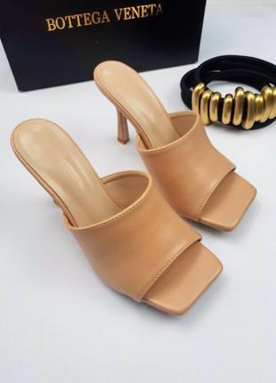 Шлепанцы на каблуке bottega veneta.