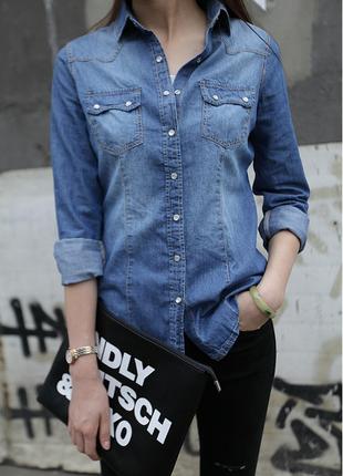 Приталенная женская джинсовая рубашка