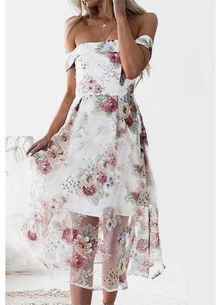 Платье с открытыми плечами из фатина/цветочный принт
