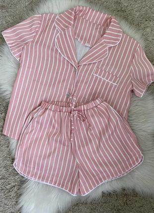Невероятная розовая женская пижама в полоску