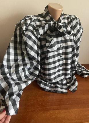 Очень красивая блуза в клетку с широкими рукавами
