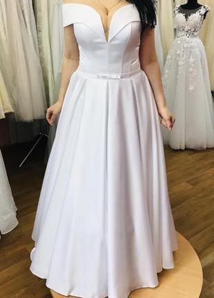 Новинка! свадебное платье из атласа