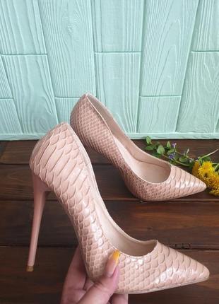 Супер туфлі-лодочки із лакованої еко-шкіри