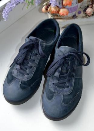 Спортивные туфли ecco 40р.
