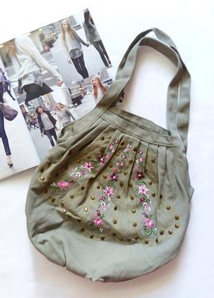 Сумка-мешок цвета хаки с вышивкой accessorize