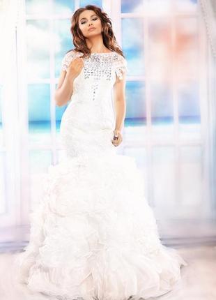 Свадебные платья открытые спина