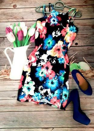 Яркое платье мини