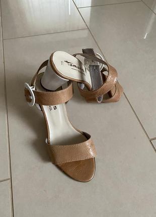 Босоножки кожаные стильные модные tamaris размер 38