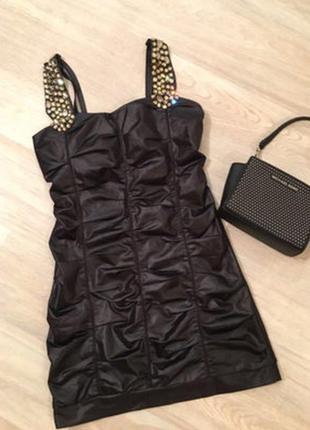 Платье клубное с камнями