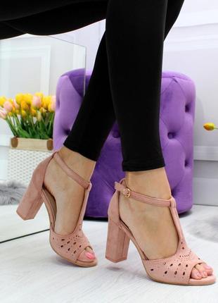 Новые шикарные женские пудровые босоножки на каблуке