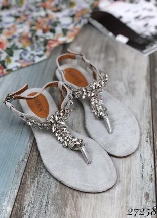 Сандалии через пальчик с камнями , стильные босоножки на низком каблуке, ходу, тапочки