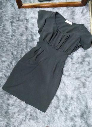 Платье из костюмной ткани с расклешенными рукавами и сборкой на лифе