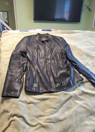 Шкіряна курточка р.38 євр 4xl