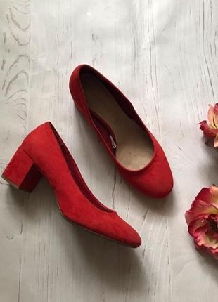 Красные туфли f&f
