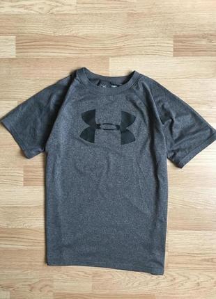 Спортивная футболка under armour на подростка 10-12 лет