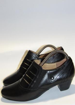 Caprice германия кожаные классические женские ботинки  t21