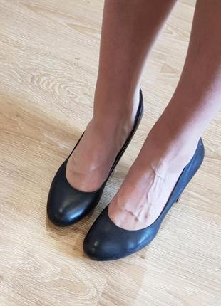 Туфли на каблуке bronx