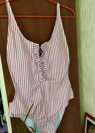 Сдельный слитный купальник на шнуровке открытая спина полосатый