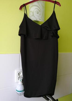 Базовое платье на тонких бретелях с оборками h&m