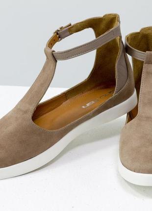 Удобные и легкие летние туфли