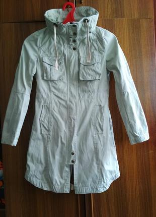 Фирменная  стиральная  натуральная  куртка  ветровка  парка  плащь