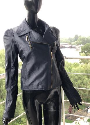 Кожаная куртка-косуха rinascimento