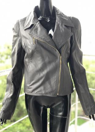Кожаная курточка-косуха rinascimento