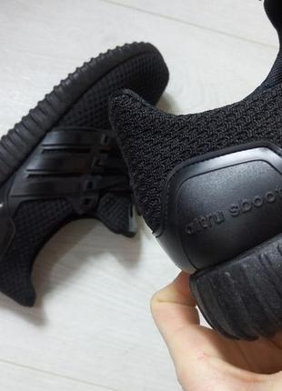 Кроссовки  с дышащим текстилем на шнуровке, черные, 36-40