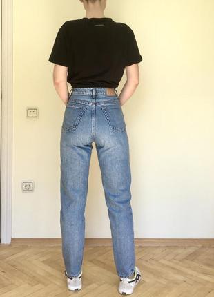 Мом джинсы высокая посадка weekday mom jeans