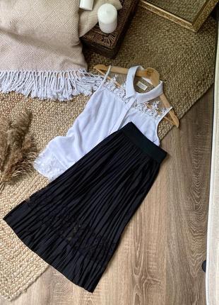 Шикарная юбка миди с кружевной вставкой