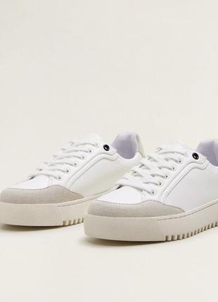 Белые кроссовки сникерсы