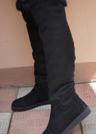 Чёрные высокие сапожки