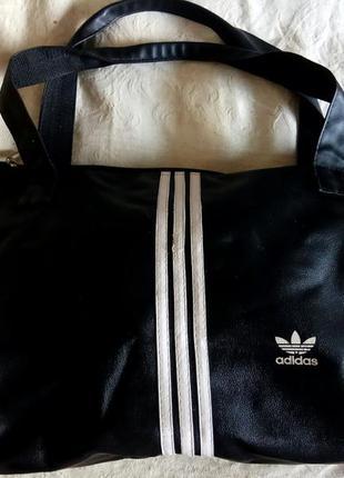 Велика спортивна сумка adidas
