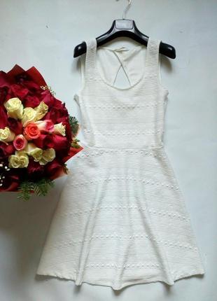 Базовое фактурное платье
