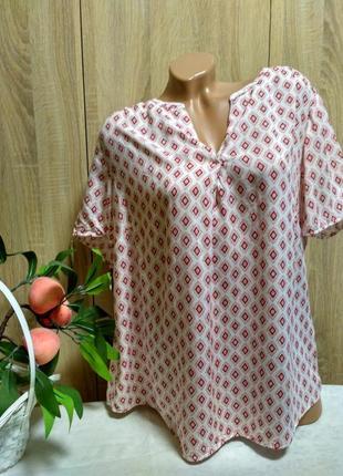 Легкая блуза из вискозы в принт