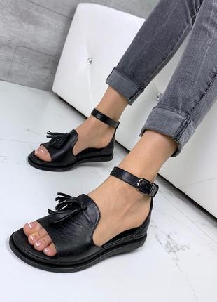 Новые женские кожаные чёрные босоножки