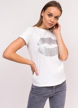 Молодежная футболка с принтом губ
