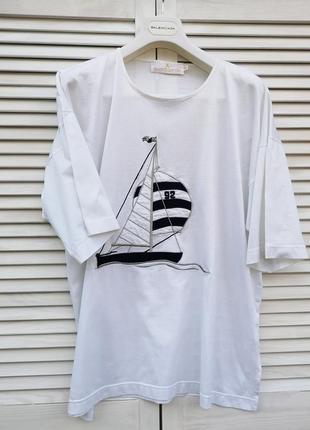 Удлиненная футболка оверсайз