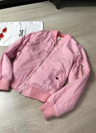 Розовый летний бомбер