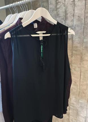Чёрная красивая блуза h&m