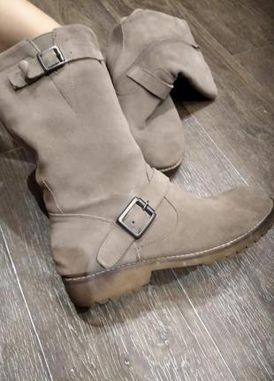 Крутые замшевые ботинки сапожки