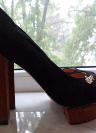 Новые! замшевые туфли elmira