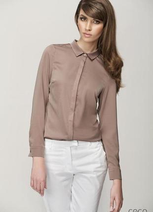 Оригинальная рубашка блуза h&m с отделкой на плечах цвета капучино