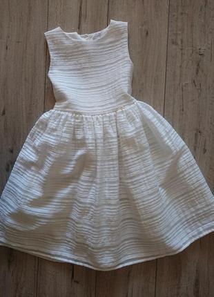 Нарядное красивое платье tu 8 лет  кремовое