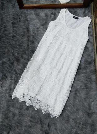 Кружевное платье прямого кроя janina
