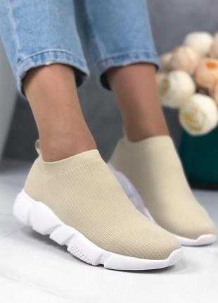 Женские кроссовки текстильные
