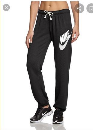 Спортивные штаны nike rally pant-logo