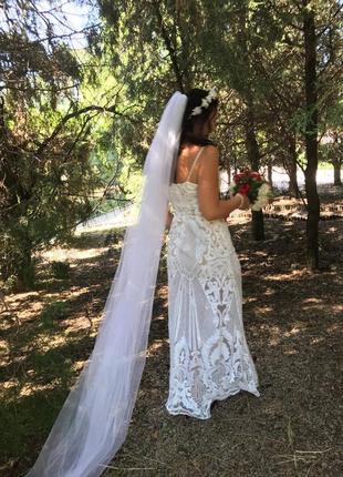 Свадебное плате в паетках
