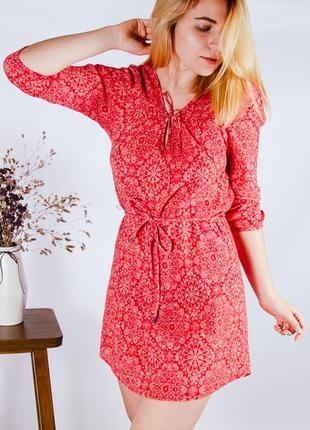 Красное платье в стиле бохо