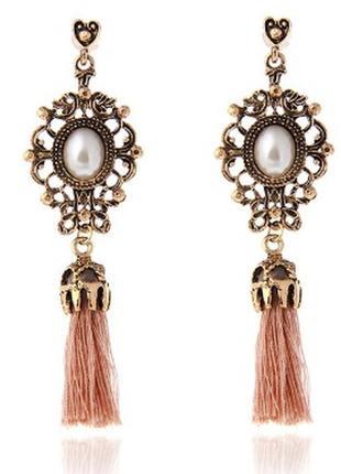 Оригинальные стильные серьги с кисточкой сережки кисточка розовый беж
